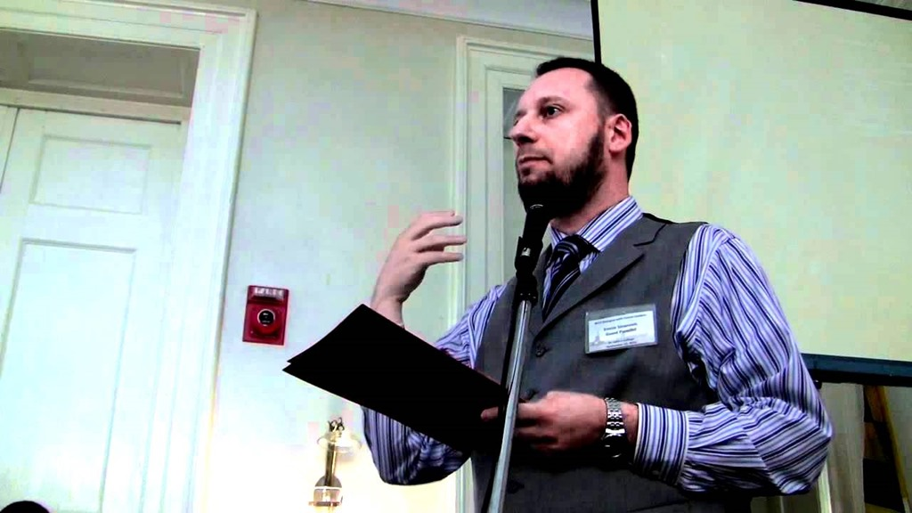 """Dr. Ermin Sinanović: """"Našem društvu potrebno je intelektualno buđenje"""""""